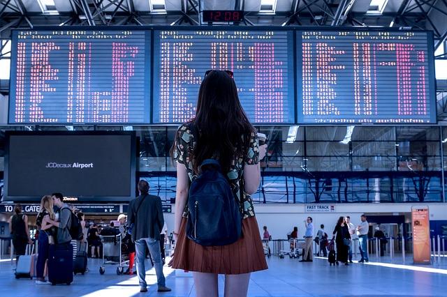 como actuar frente a retrasos en aeropuertos